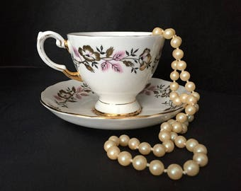 Elegant Vintage TUSCAN  Fine Bone China Teacup  & Saucer English