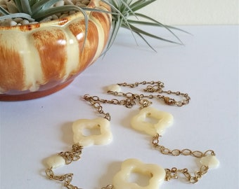 Long Vintage Quatrefoil Chain Necklace, Adjustable Chain Quatrefoil Necklace, Four Leaf Clover, Vintage Lucite Necklace, Back Necklace