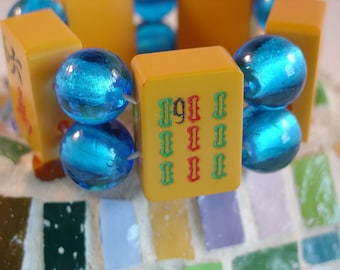 Vintage 1930s Bakelite Mah Jong Tile Bracelet with Light Blue Foil Glass Beads / Vintage / Bakelite / Bold / Chic / Colorful / Jewish / SM