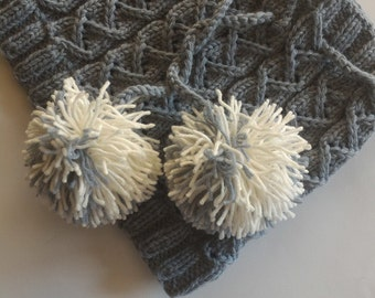Chunky Knit Cowl / Neck Warmer , Grey Cowl Scarf , Loop Scarf , Handmade Knit Scarf With Pom Poms , Winter Accessories , Wool Cowl Scarf