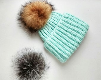Hat with pompom from Chernoburoj Fox