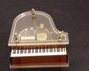 Lucite clear top music box with sanyo mechanism