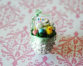 Lovely Easter Basket Ring