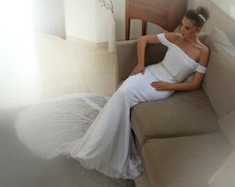 White wedding dress,wedding dress open back,chiffon wedding dress,Strapless neckline wedding dress,s,wedding gown,Belt Wedding Dress