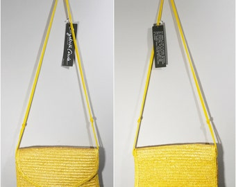 Vintage Yellow Crossbody Straw Purse // Straw Handbag // Beach Bag