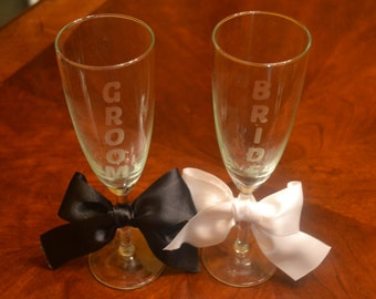 Bride and Groom Etched Matching Champagne Flutes, Wedding Champagne Glasses, Wedding Gift, Engagement Gift, Champagne Toast, Shower Gift