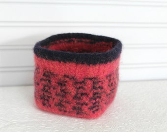 Small Knit Felted Storage Basket, Wool Basket in Navy and Coral, Boiled Wool Small Storage Basket, Soft Wool Storage Container, Square Bowl