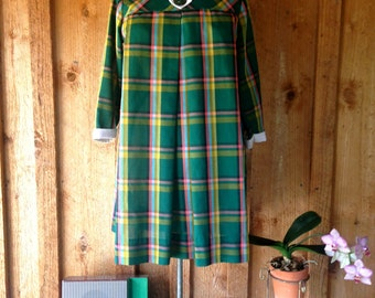 Vintage 50s 60s Mod Mini Dress in Green Plaid//Peter Pan Collar//Size Small//1960's Mia Farrow