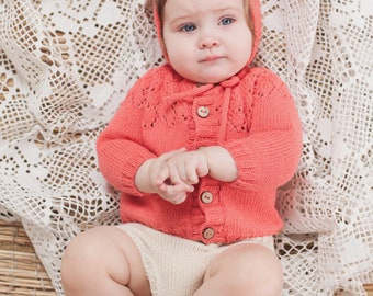 Knitted baby sweater, Baby girl coming home outfit, knitted baby clothes, knit sweater, baby girl clothes, hand knit sweater, Baby gift
