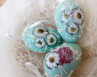 Set of Easter Eggs - Spring - Handcrafted - Price per set of 3