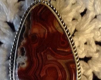 Reddish Crazy Lace Pendant