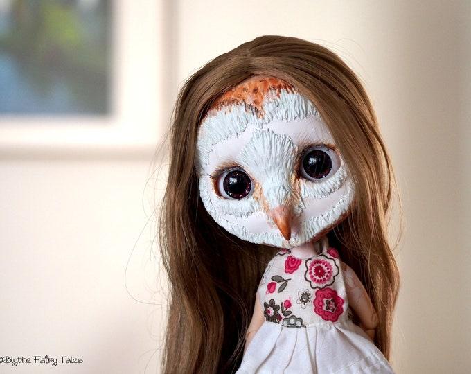 Custom OOAK BARN OWL Blythe doll – including custom box with painting and extras – by Blythe Fairy Tales