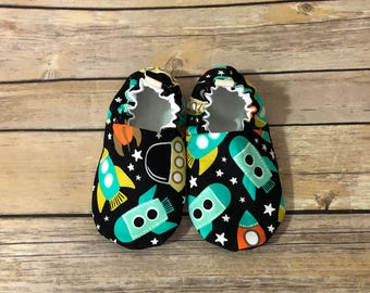 Rocket shoes, cloth shoes, baby booties, toddler shoes, baby shoes, crib shoes, cloth booties, baby shower gift, space station shoes