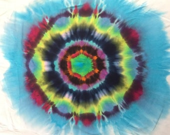 Orb spot tiedye XL tshirt. Design only on the front.