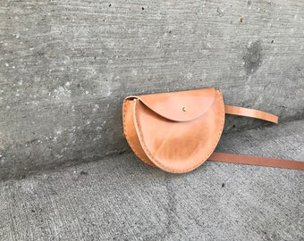 Russet Half Moon Leather Waistbag Extended