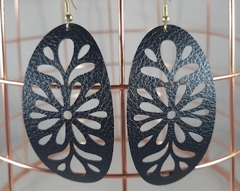 Flower Cut-Out Earrings