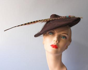 1940s Hat / 1940s Feather Tilt Hat / Vintage 50s Brown Wool Felt Country Club Hat