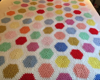 Crocheted Grandmothers flower garden afghan or throw