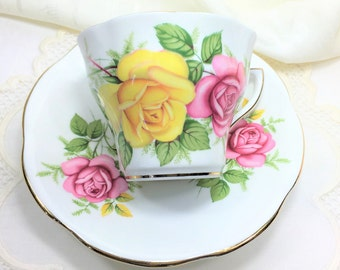 Beautiful Vintage Royal Seagrave Fine Bone China, England, Teacup and Saucer