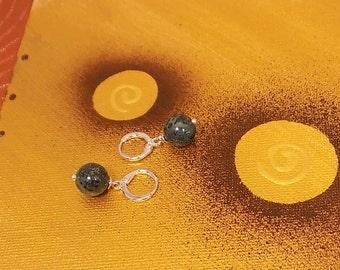 Malachite on 925 sterling silver hoop earrings, Stud Earrings ethnic with malachite on 925 sterling silver hoop earrings.