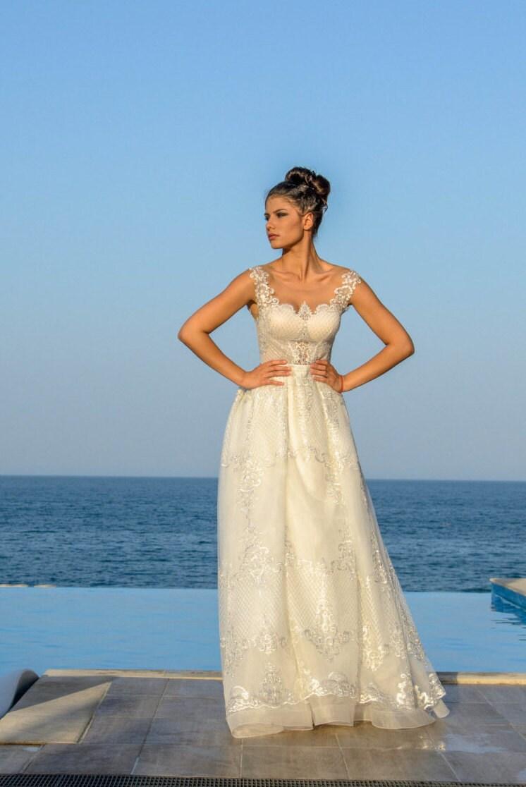 Ein von einer Art Hochzeit Kleid modernes französisches