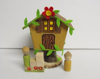 peg doll dollhouse,treehouse,waldorf inspired,gnomes,miniature dollhouse,child,kids,preschool,birthday,wood,felt,paper mache,red,green