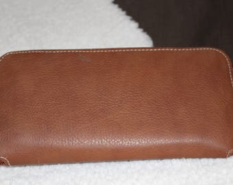 Big purse, elegant wallet in brown leather of about 22.5 X 11.5 cm