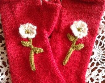 Delicate Flower Hand Warmers In Red