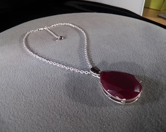 vintage silver tone necklace with huge faceted teardrop maroon stone with expandable chain                         M