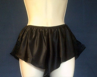 Shorts, Vintage Lingerie, in Black, With Lace