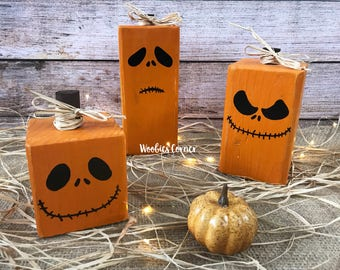 Wood Pumpkins, Rustic Halloween Decor, Pumpkin Decor, Hand Painted Pumpkins, Wooden Pumpkins, Wood pumpkin set, Wood pumpkin with faces