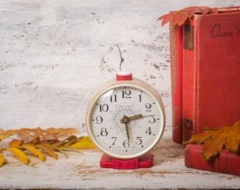 Desk Clock Vintage|alarm Clock Russian| Mechanical Wind Up| Jantar| Red  Beige Decor|table Clock|retro Alarm Clock| Manual Winding Clock|