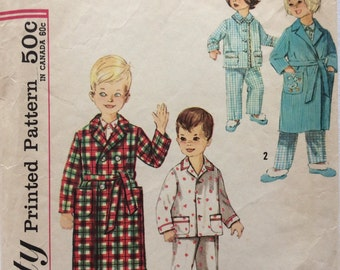 CLEARANCE!!  Simplicity 4250 childs pajamas and robe size 4 or size 5 vintage 1960's sewing pattern