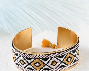 Bracelet bohémien, manchette plaqué or, tissu brassard, brassard coloré, Bracelet ouvert, ouvrir le bracelet manchette, Bracelet en tissu, Gypsy bracelet manchette, Bracelet ethnique