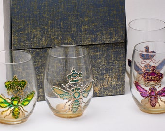 Painted Wine Glasses - In Stock - 4 Queen Bee Wine/Drinking glasses in an up-cycled gift box - Set of 4 blue, green, pink, yellow