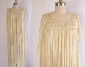 1920s Dress ~ Cream Silk & Lace Tabard Style Flapper Gown w Matching Slip ~ Gorgeous Rose Floral Silk Filet Lace ~ As Is Condition ~ S/M