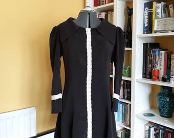 vintage late 60's early 70's dog ear collar scooter dress