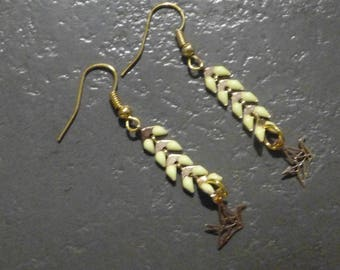 Golden yellow-spike chain earrings & origami earring