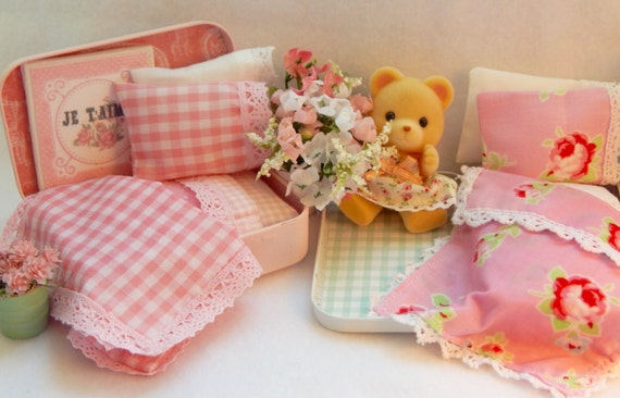 "Sewing PatternLittle Doll Bed and Bedding PDF Pattern -2"" -3"" sized dolls, Calico Critters, Sylvanian dolls, Tiny baby dolls"