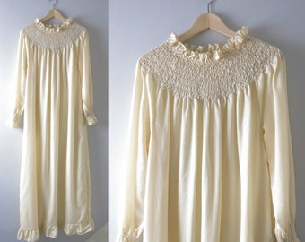 Vintage Nightgown 2XL | 1960s Cream Ruffle Italian Dressing Gown Nightgown