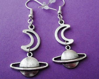 planet and moon earrings, pastel goth, soft grunge, nu goth, kawaii