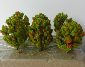 6 x Red Green Flowering Model TREES 8 cm ~ Scenery for H0 / 00 Scale, MODEL TRAIN Accessory, Brand New