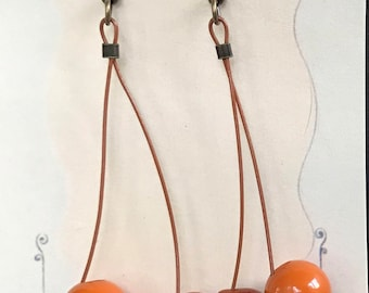 Bakelite Button Dangle Earrings Caramels