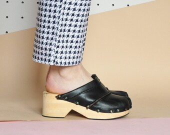 70s LEATHER clogs HIPPIE clogs BOHEMIAN clogs black clogs studded clogs gypsy clogs rustic clogs swedish clogs / Size 7.5 us 5 uk 38 eu