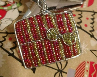 Present box necklace or ornament