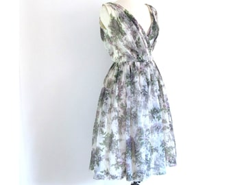lavender party dress - 50s vintage floral print fit and flare full skirt green white cocktail sleeveless retro pinup v neck small 25 waist