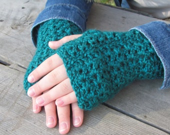 Sweet Star Wristers: Crochet Women's Wristers/Gloves, Fall Fashion, Winter Fashion