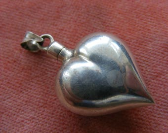 F) Vintage Sterling Silver Charm Heart Perfume bottle