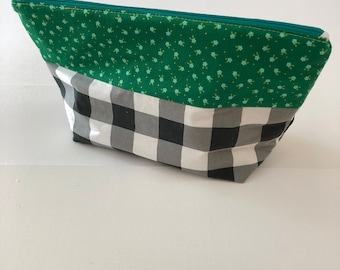 Zippered Pouch - Gingham