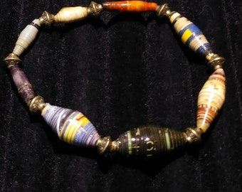 Colorful paper beaded stretch bracelet